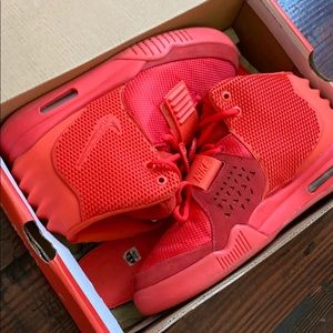 Nike Yeezy Red October sz 8.5